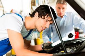 Medir aceite de coche
