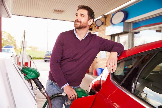 ¿Qué pasa cuando pones gasolina a un coche diésel?