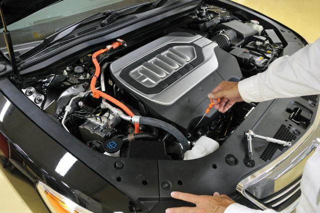 Limpieza básica del motor del coche ¡hazlo tú mismo!