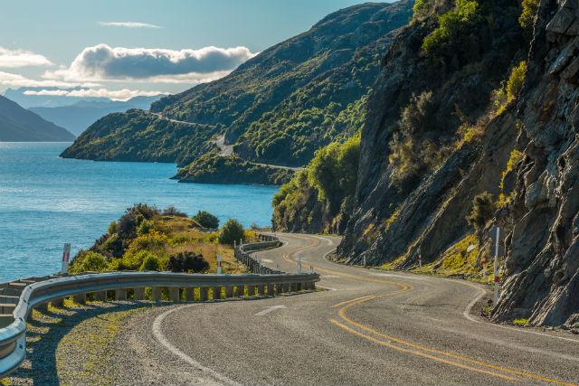 Las mejores técnicas de conducción con carreteras en curvas