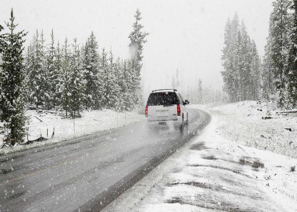 ¿Por qué son tan importantes los neumáticos en invierno?