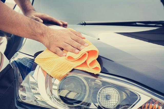 Limpieza del coche en verano
