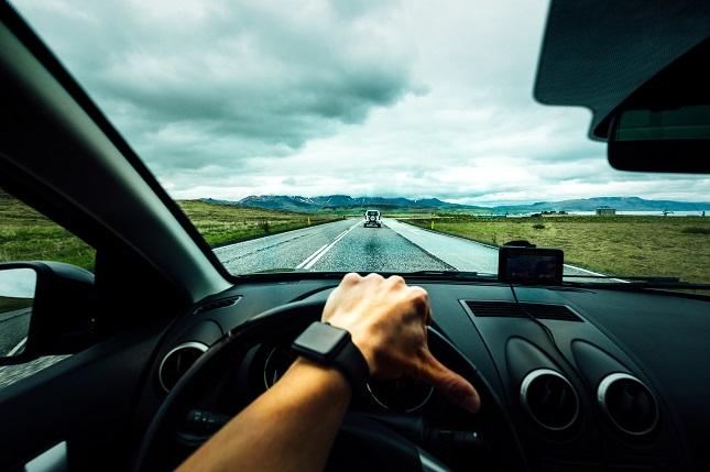 Seis hábitos al volante que pueden afectar a tu seguridad