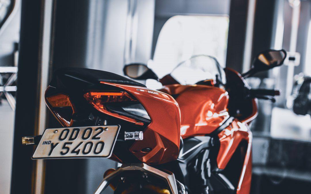 ¿Es obligatoria la mascarilla para ir en moto?