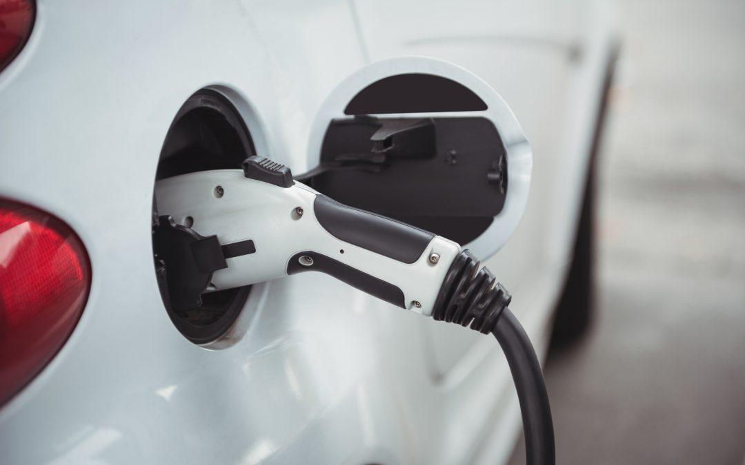 ¿Qué mantenimiento necesita un coche eléctrico?