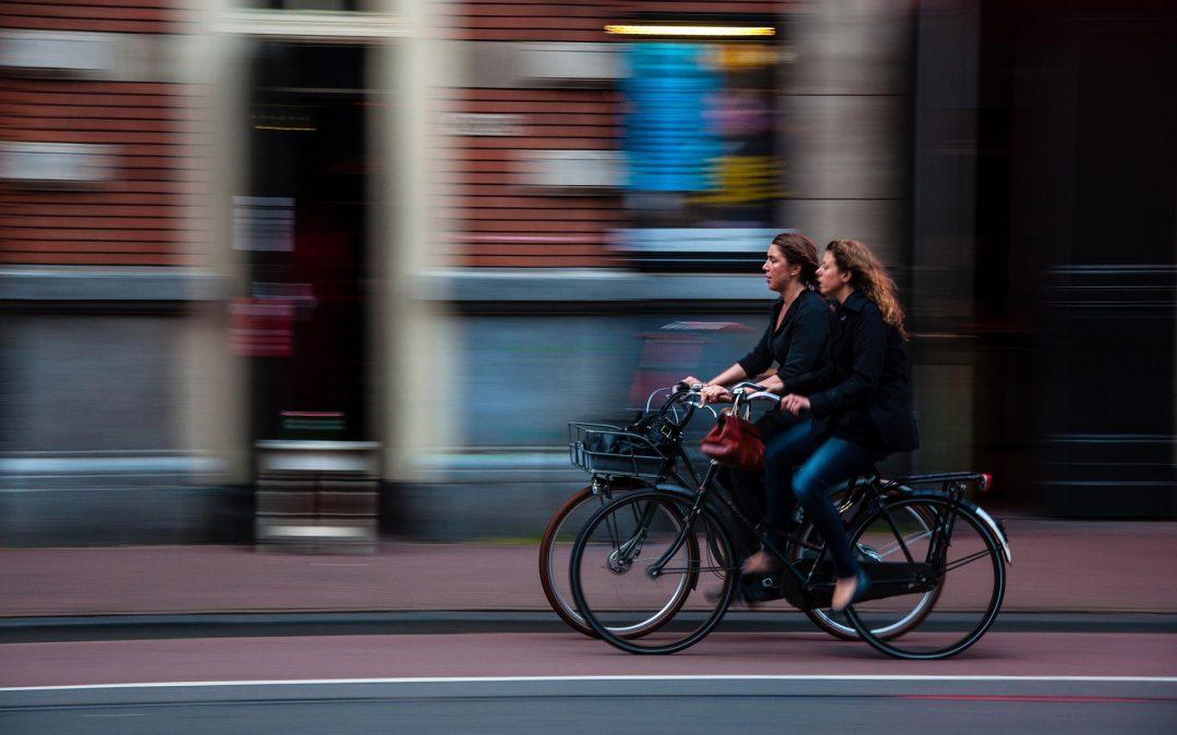 Guía de seguridad vial para conductores y ciclistas