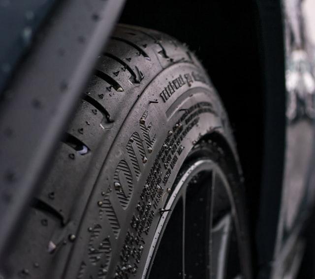3 consejos sobre neumáticos para cuando llega la lluvia